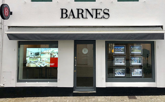 Luxury real estate agency BARNES LES PORTES-EN-RÉ
