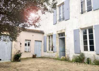 Maison LOIX - Ref 2702471